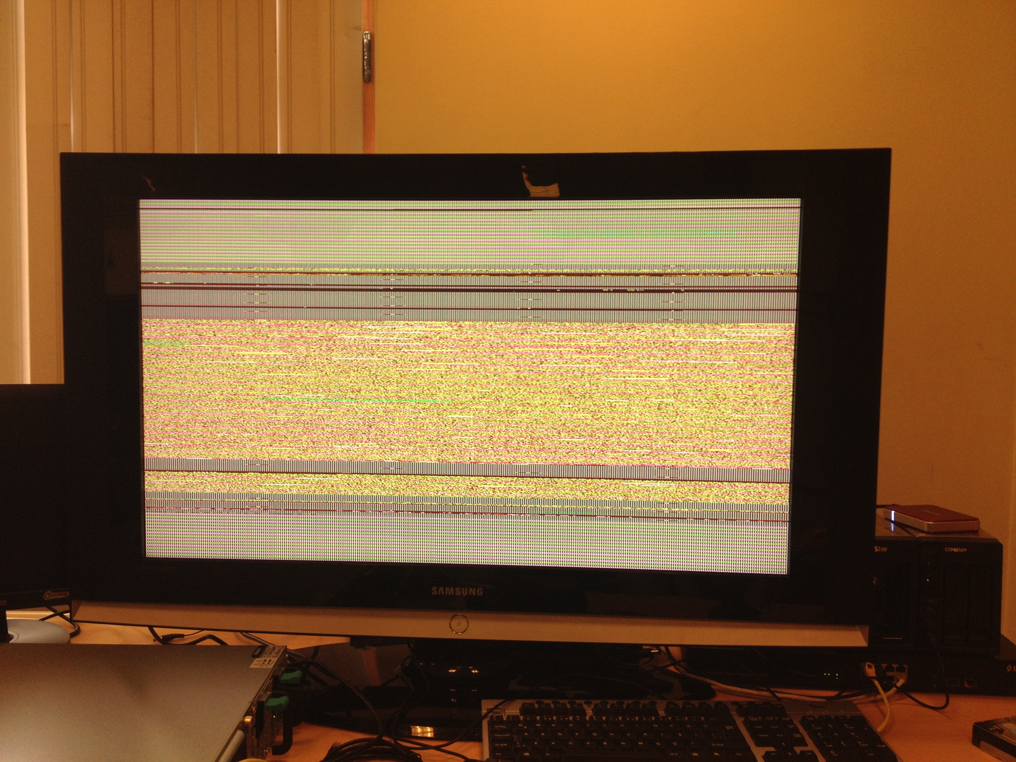 Corrupted screen (2)
